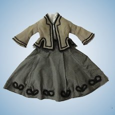 """Original outfit for a 17"""" French fashion doll, uncommon drawstring skirt"""