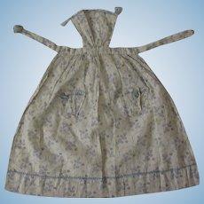 "antique Apron for a 18"" fashion doll"