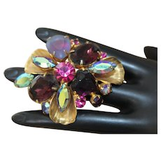 Mesmerizing Brilliance JULIANA Mauve Frosted Glass Aurora Borealis Crystal Gold Tone Clams Iridescent Brooch BD32