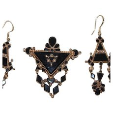 Regal 18k Gold Antique Etruscan Victorian Era Seed Pearl Onyx Set
