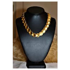 Fabulous Glam Runway Bold MATTE MODERNIST HAMMERED Gold Disc French Couture High End Link Choker Necklace