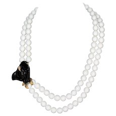 Lovely Charming Signed KENNETH JAY LANE KJL For AVON Call a Lilly Lucite Necklace