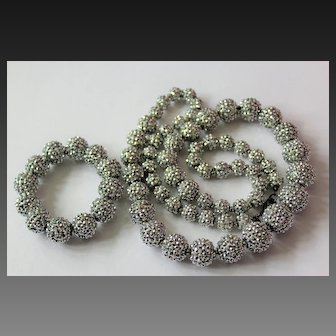 Grandiose Dignified Signed KENNETH JAY LANE Couture Silver Crystal Stunning Necklace Set