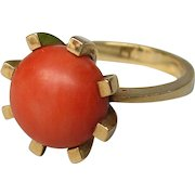 18K gold ring with coral bead