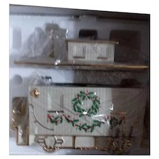 "Beautiful Lenox ""Holiday Junction"" Caboose Centerpiece - Never displayed"