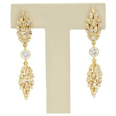 Vintage 18K Yellow Gold Hanging 4.90 Carats Diamond Cluster Earrings