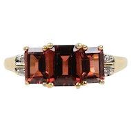 Vintage 10K Yellow Gold Garnet Diamond Ring