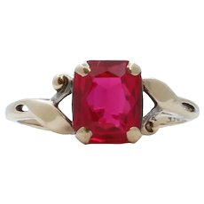 Vintage Ladies Synthetic Ruby 10K Yellow Gold Ring