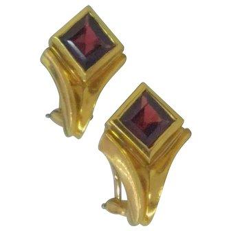 Vintage Gucci 18K Gold and Garnet Earings