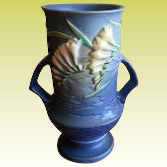 Roseville Pottery Blue Freesia Double handled 9.5 in Vase 123-9