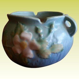 Beautiful Blue Roseville Pottery White Rose Vase Pot653-3