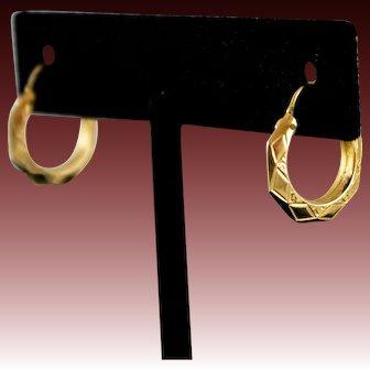 """Vintage 14k Gold Hoop Earrings 1/2"""" Decorated Hoops"""