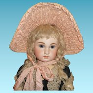 Lovely vintage widebrim bonnet with ruching for large german or french doll