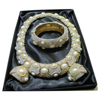 Glamorous Pre-owned  Ciner Necklace, Bracelet & Earrings Parure