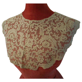 Antique lace collar 1920s beige color wedding for doll costuming dress