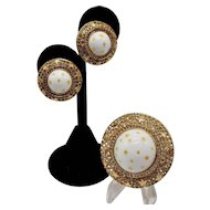 """Rare Nettie Rosenstein """"Stars"""" Brooch and Matching Clip-on Earring Set in White and Gold-tones"""