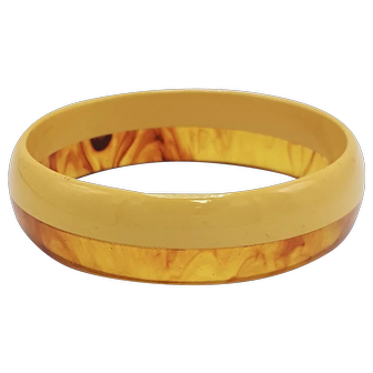 Vintage Two-Color Laminated Bakelite Bangle with Butterscotch and Apple Juice
