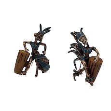 Pair of 1940s/1950s Novelty Carnival Dancer Pins with Bakelite Bongo Drums