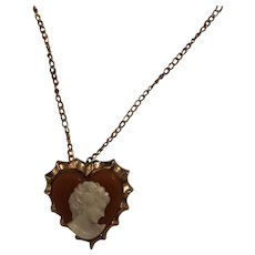 1960's Cameo pendant necklace / brooch