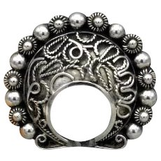 Vintage Taxco Mexican sterling silver Horseshoe brooch lots of details by Carmen Beckmann 24g