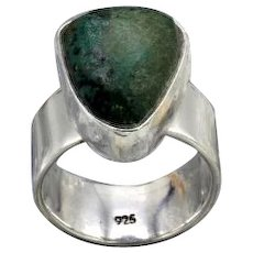 Vintage sterling silver chunky ring w matte finished triangle turquoise stone 10g