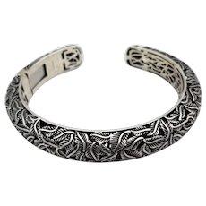 Vintage sterling silver hinged cuff fine detailed vine-leaf openwork stunning signed