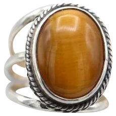 Vintage sterling silver ring bright large tiger eye triple shank Size 10 | 9+g