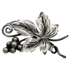 Vintage Damaso Gallegos Taxco Mexican sterling silver Holly flower brooch
