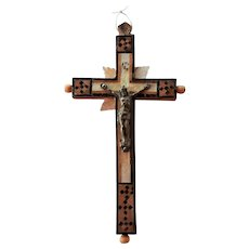 Unusual Antique Jerusalem olive wood mosaic mother of pearl inlay Cross Crucifix with 14 MOP circles on the back
