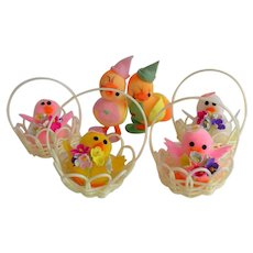 Set Easter Decoration Chicks in basket