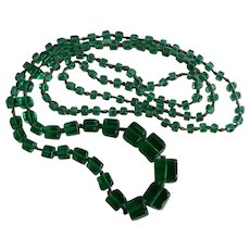 42'' Art Deco Green Glass graduated hand knotted Necklace cube shape beads