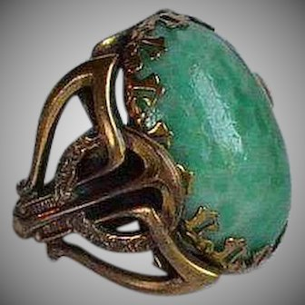 Big Art Deco Green Peking Glass & Brass Adjustable Ring