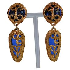 Vintage Italy blue plastic gold metal dangle statement Earrings on original card