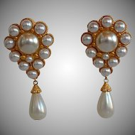 Big Vintage high end gold metal encrusted faux pearl cabochons & tear drop faux pearl Statement Clip-on Earrings with rhinestones accent