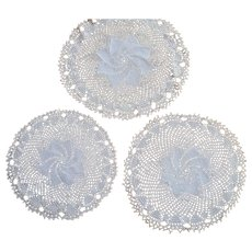 Set 3 pcs cream round hand crocheted Doilies with vortex design