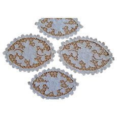 Vintage set 4pcs beige fine Macrame lace hand crocheted oval Doilies with rose and leaf design