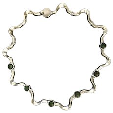 Vintage sterling silver necklace with dark green Jade. Mexican