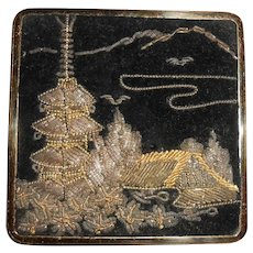 1950's Goldwork Embroidery Willow Pattern Queen Star Compact