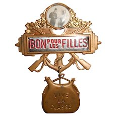 "1950s Pin Up French Military Conscription Pin ""Bon pour les Filles"""
