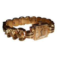 Exceptional 22 Carat Gold Tank Style Ladies Cocktail Wristwatch with Geometric Bow Link Bracelet