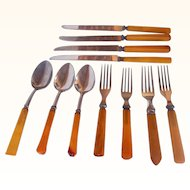 Vintage Bakelite Kitchenware Flatware Mixed Collection 11 pieces, Forks, Knives, Tablespoons