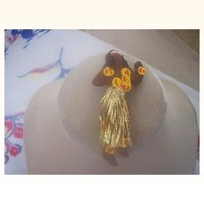 """UNUSUAL Vintage WOOD Brooch HULA Girl with """"Grass"""" Skirt Mint!"""