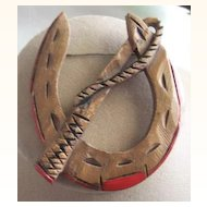 UNUSUAL Vintage Wooden Horseshoe Brooch WESTERN Motif Carved Deeply
