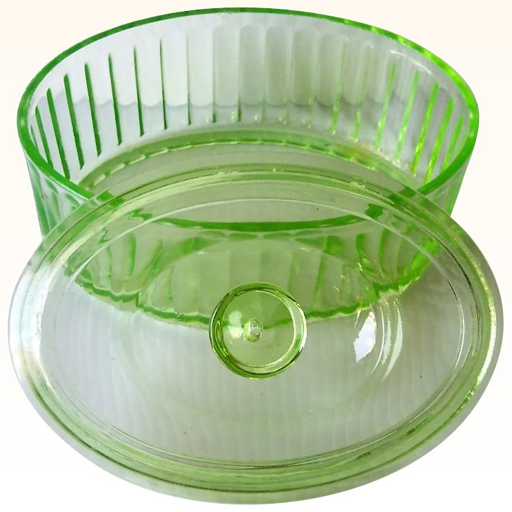 Vintage Green DEPRESSION Glass Refrigerator Dish Covered Oval Shape
