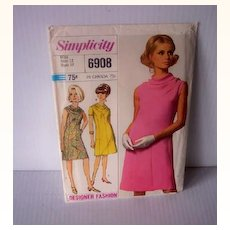 Vintage SIMPLICITY Pattern Designer Fashion Dress #6908 Uncut Dated 1966