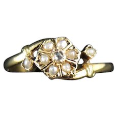 French Flower 18 Kt Gold Ring With Natural Pearls And Diamond - Circa 1900 Edwardian