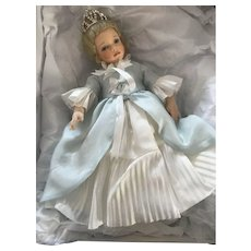 R. John Wright - Once Upon A Time Happily Ever After Cinderella Doll -  40/100