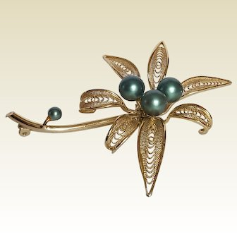 Delicate Filigree, Daylily Flower 'large' brooch ~ circa 1940 ~ gold-toned