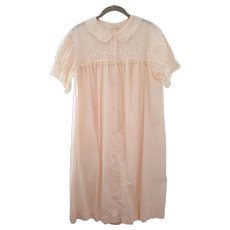BARBIZON Blendaire Batiste ~ circa 1960 ~ PINK nightgown with embroidered lace
