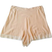 Peach Lace Appliqued Tap Pants Lingerie ~ c.1947 ~ European step-in-panties